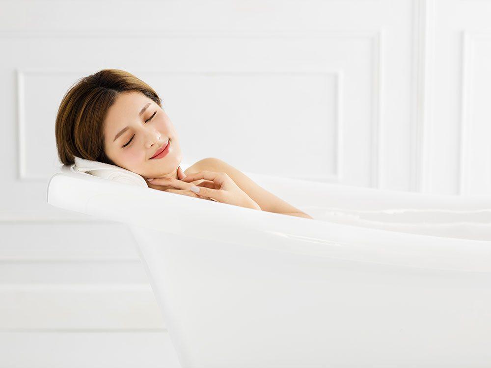 Take a bath in Epsom salts to cure teeth grinding