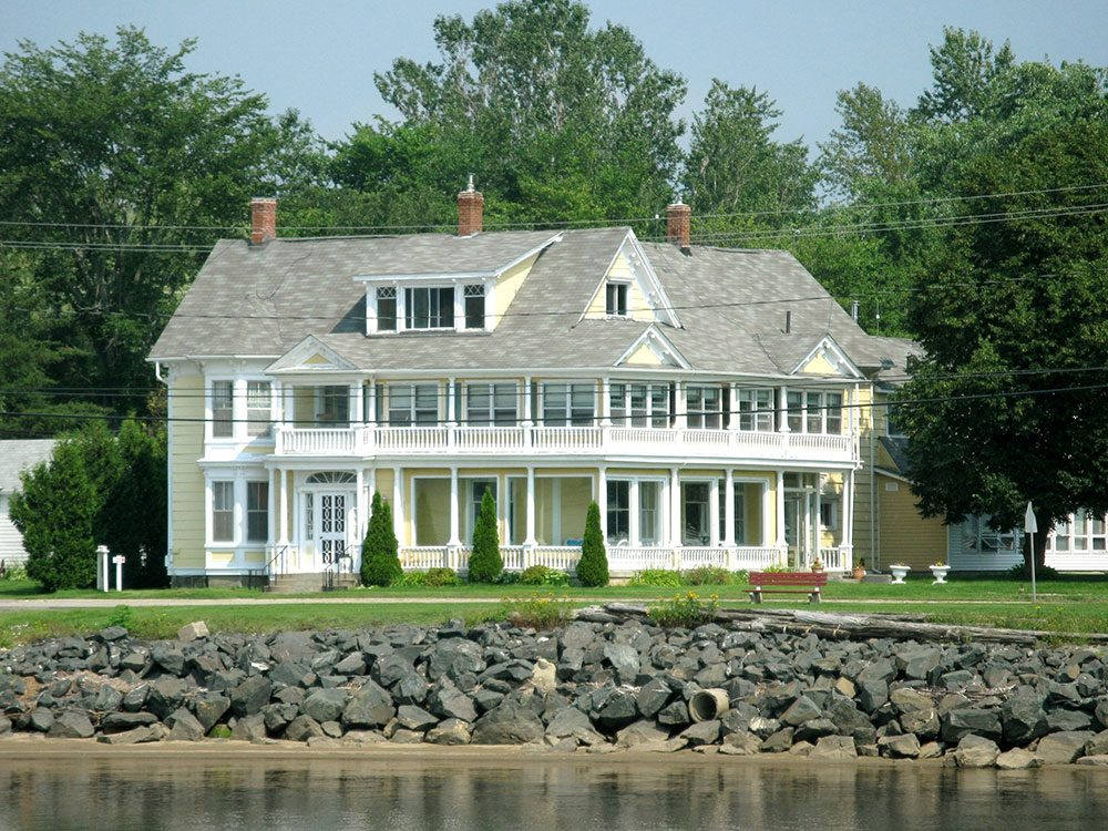 Royal hotels in Canada: Governor's Mansion, Miramichi