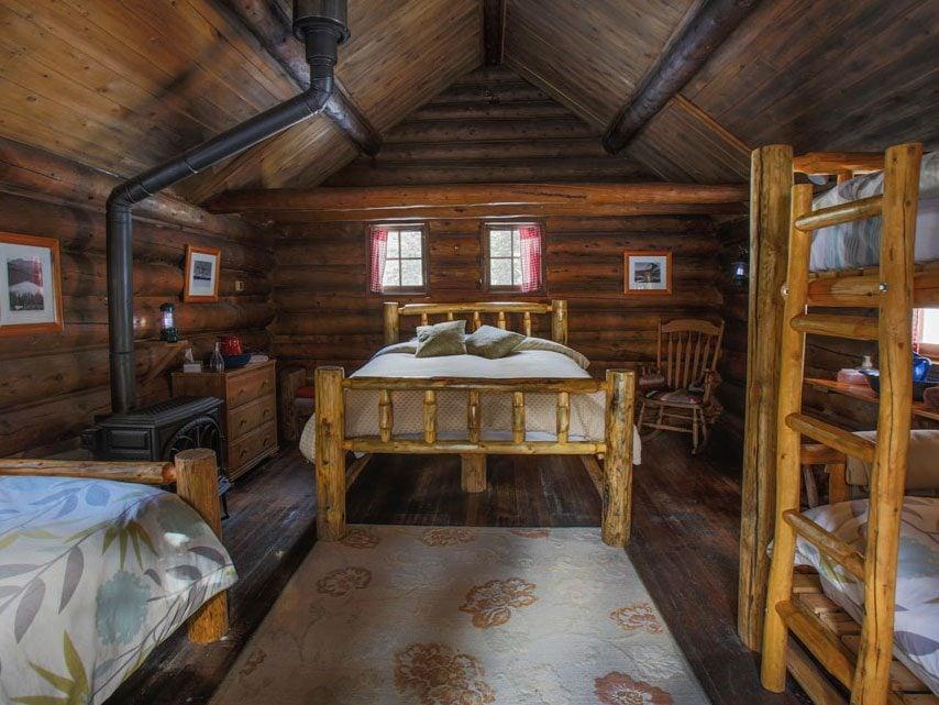 Royal hotels in Canada: Skoki Lodge