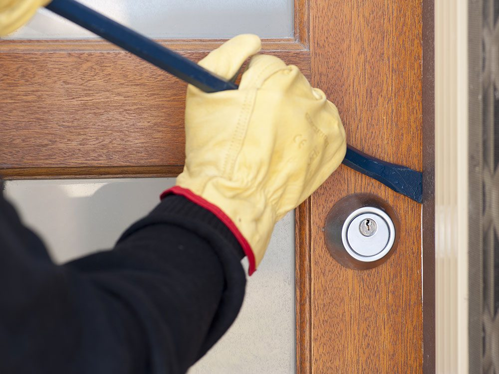 Ways burglars break into homes