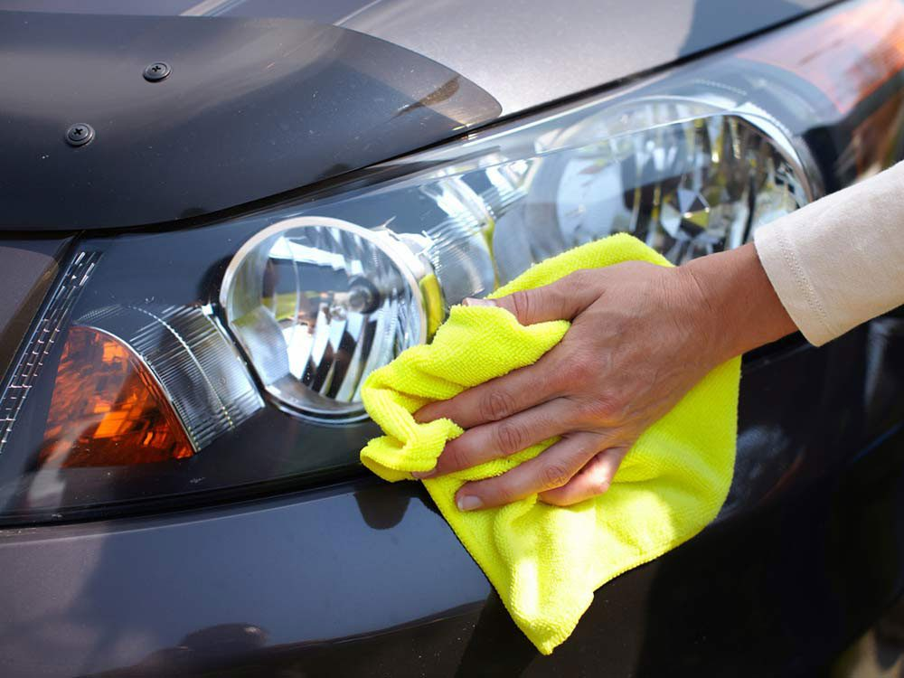 Homemade car wash: Use mayonnaise
