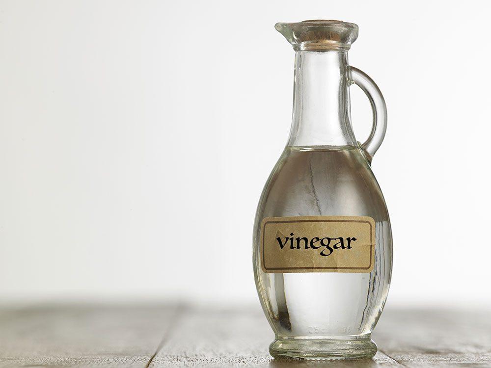 Homemade car wash tricks for bumper stickers: Vinegar