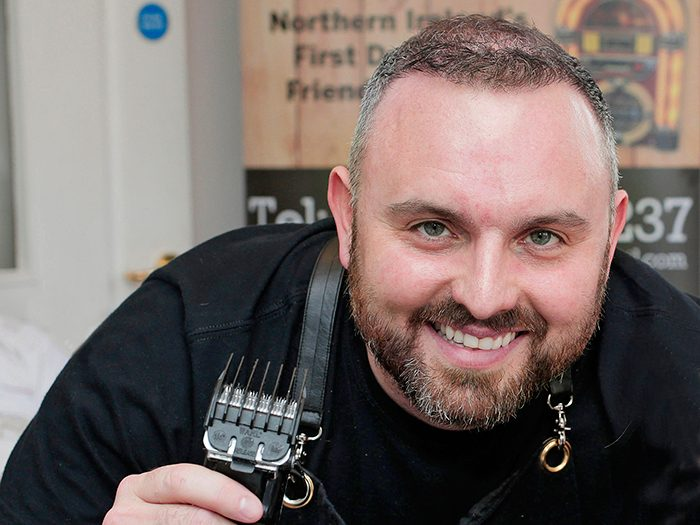 Lenny White: the 'pop-up' barber for dementia patients