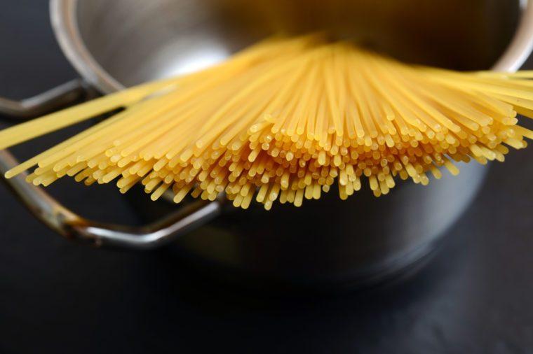 Breaking pasta