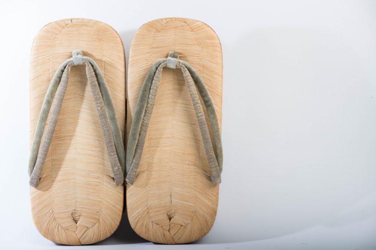 Wood slippers