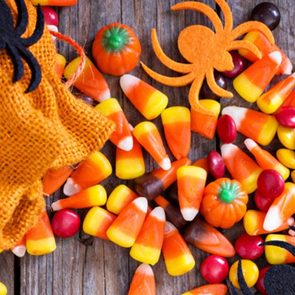 Halloween riddles - Halloween candy