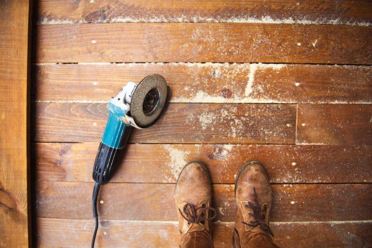 Wood sanding tool