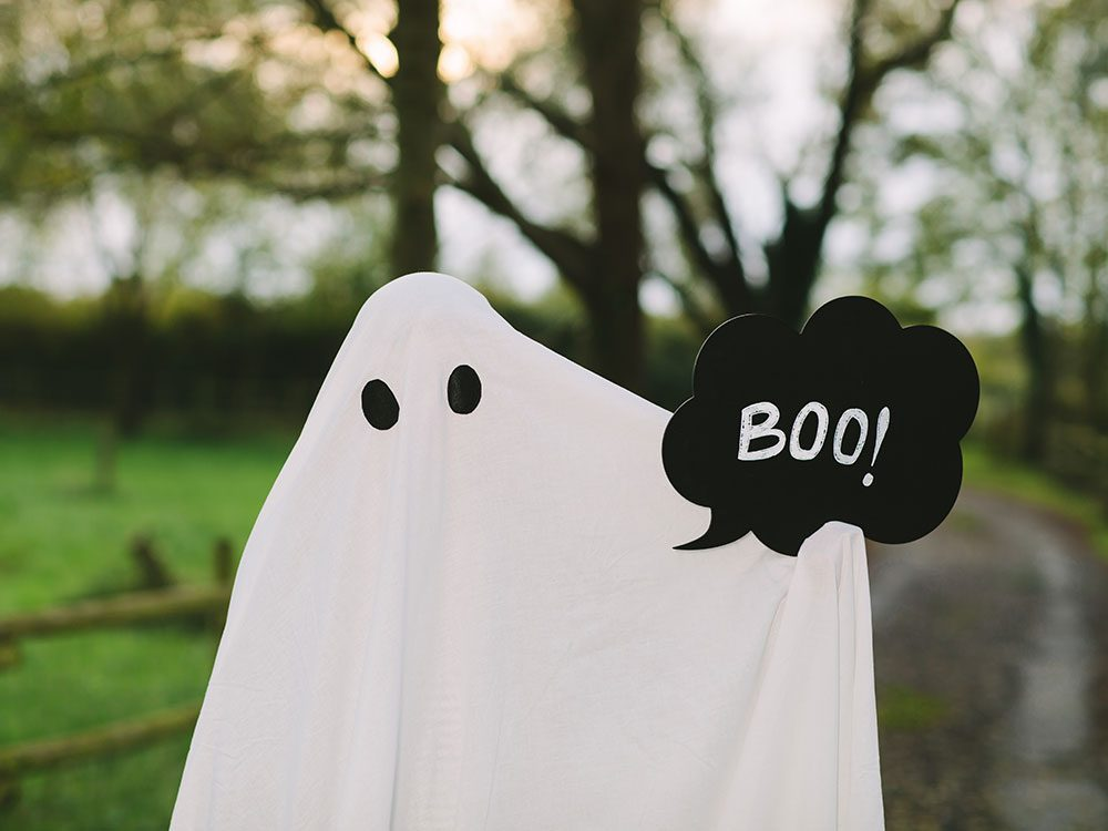 Corny Halloween jokes - Ghost boo