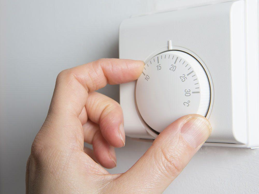 Use old nail polish to mark thermostat setting