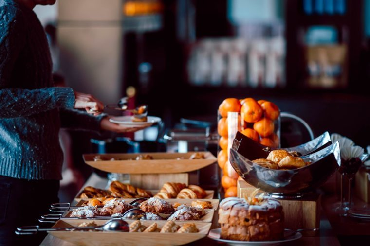 How to eat at a buffet and avoid holiday weight gain