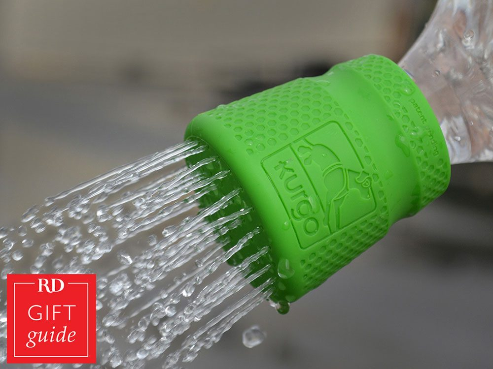 Canadian gift guide - Kurgo dog shower