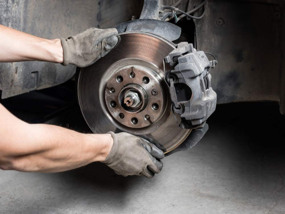 Car maintenance services: Brake service