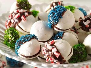 Chocolate-Dipped Meringue Sandwich Cookies