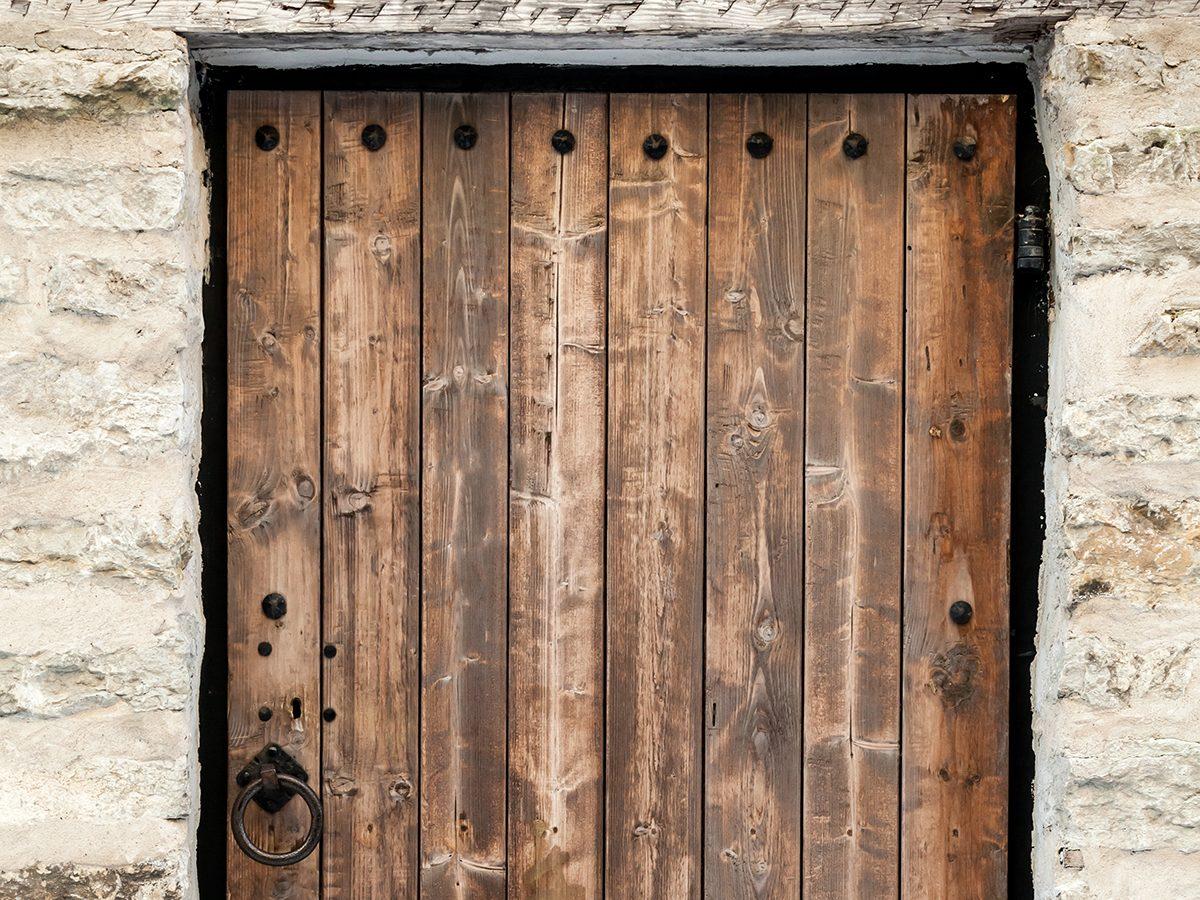 Best jokes of all time - old wooden door