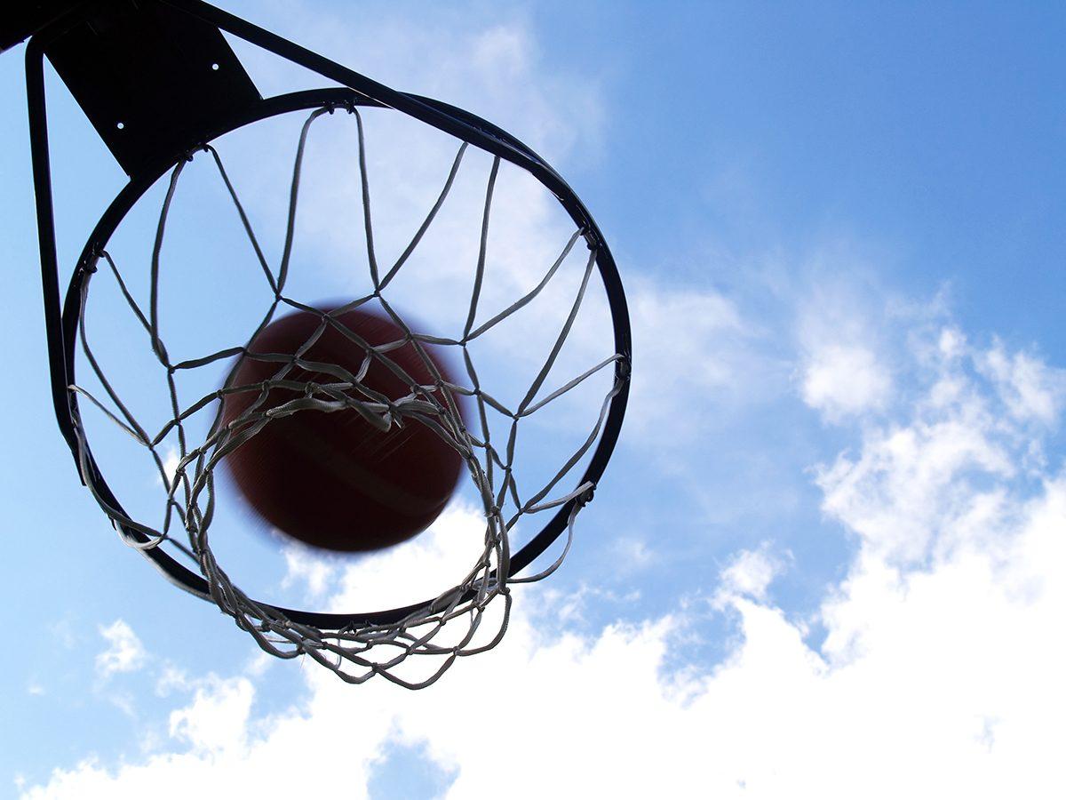 Best Reader's Digest jokes of all time - driveway basketball hoop