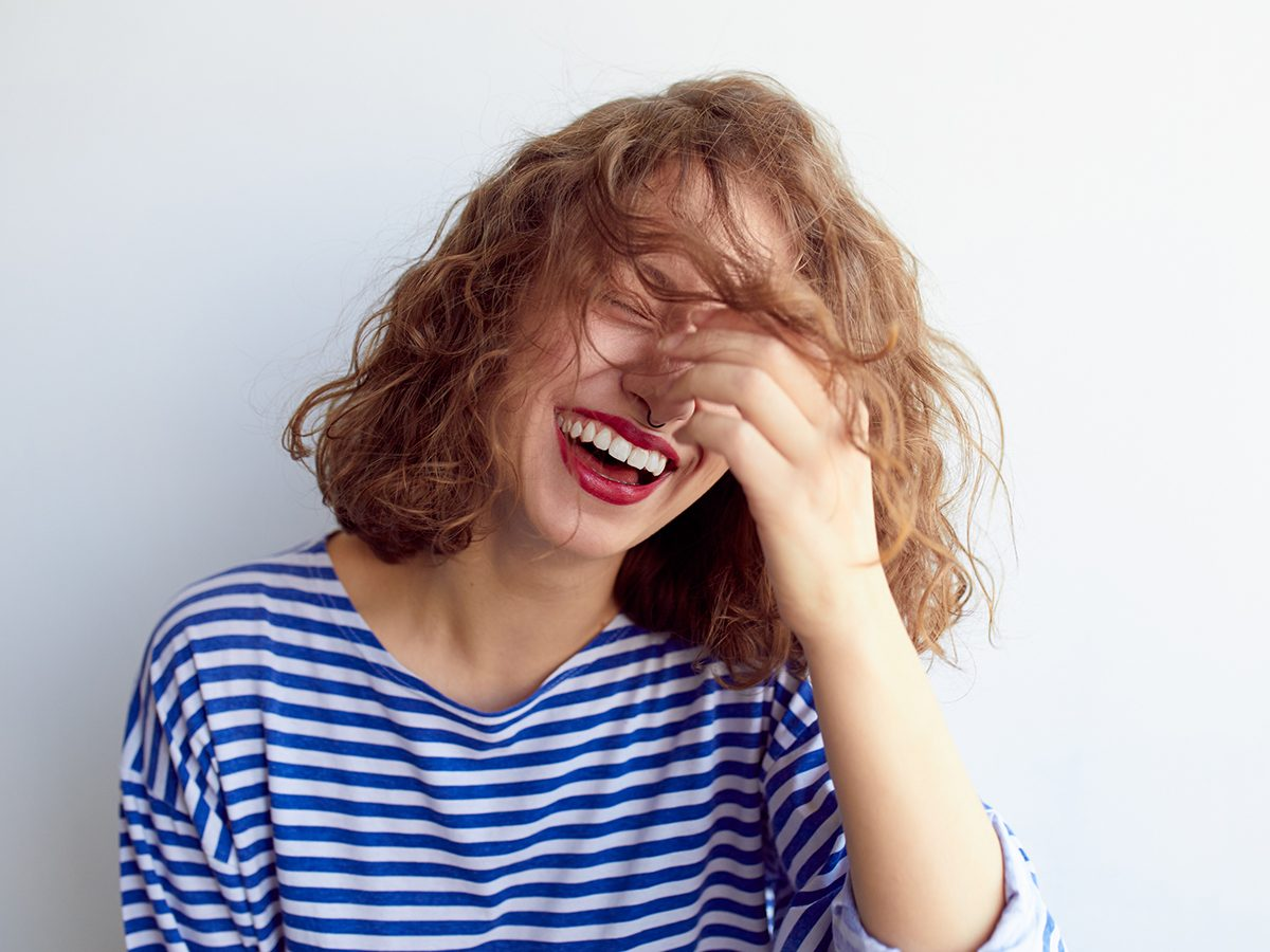 Best Reader's Digest jokes of all time - woman laughing