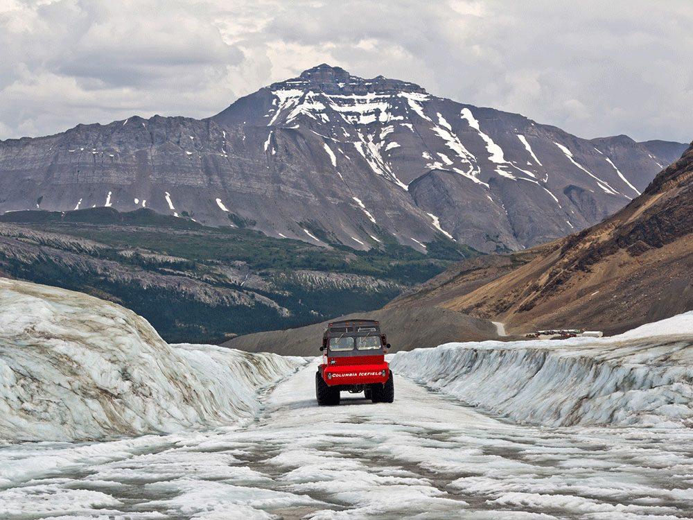 Living in Canada - Athbasca Glacier