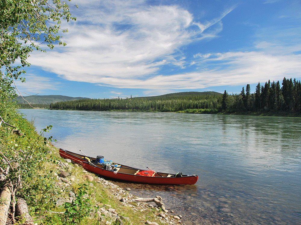 Living in Canada - Canoe Yukon River