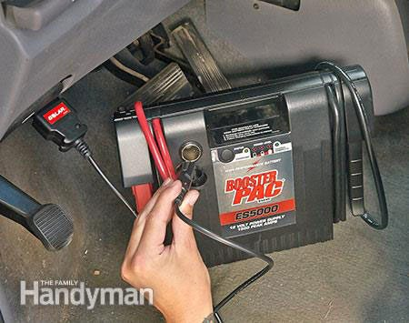 How to maintain computer memory when changing a car battery