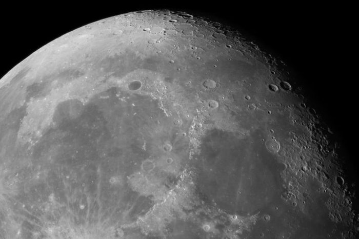 Close-up of the Moon surface. Main objects and areas: Mare Serenitatis, Mare Imbrium, Procellarum basin, Archimedes, Cassini, Aristillus, Alpine Valley, Aristoteles, Plato, Eudoxus, Sinus Iridum