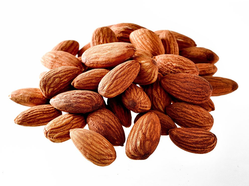 Foods to lower cholesterol - roasted almonds