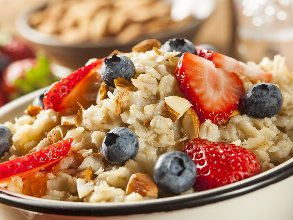 Health benefits of oatmeal - lowers cholesterol