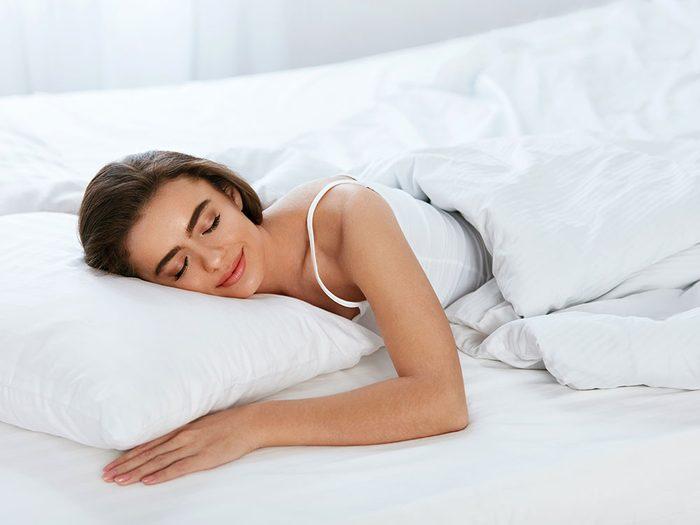Uses for vinegar - freshen up a mattress