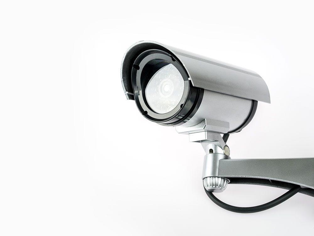 World's dumbest criminals caught on CCTV