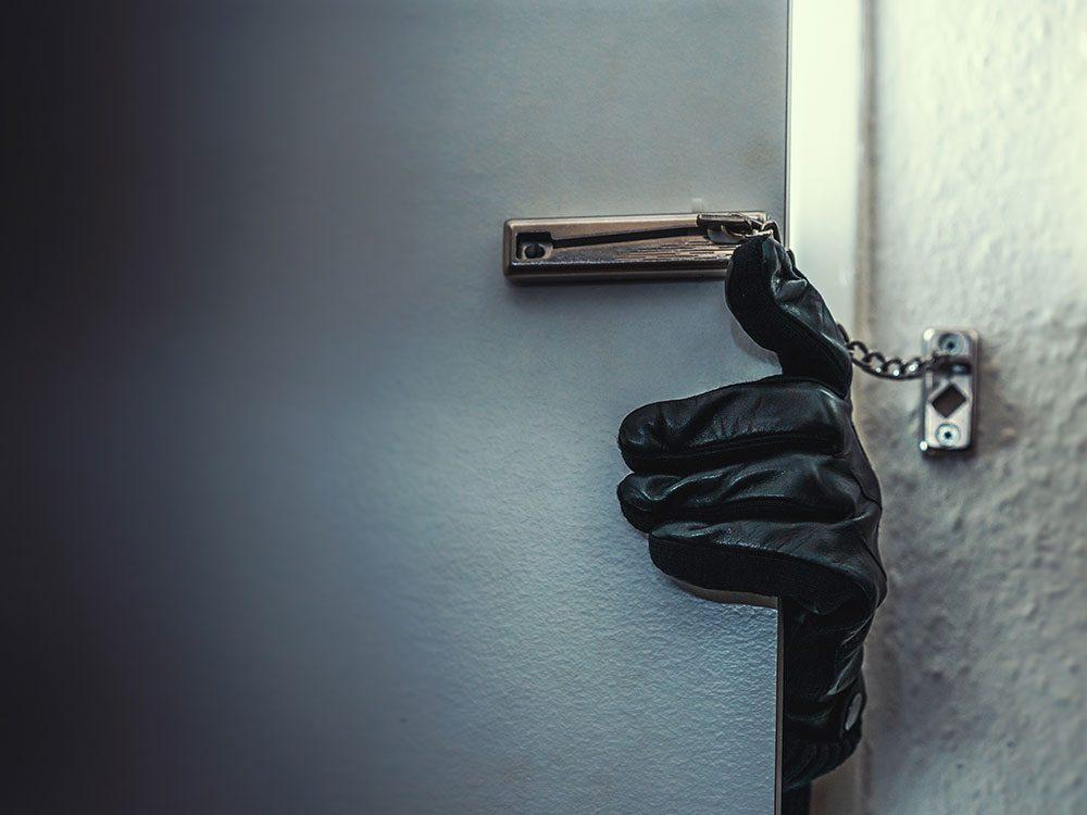 World's dumbest criminals - breaking in