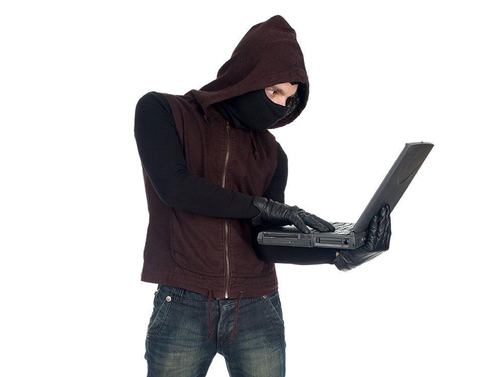 World's dumbest criminals - Facebook