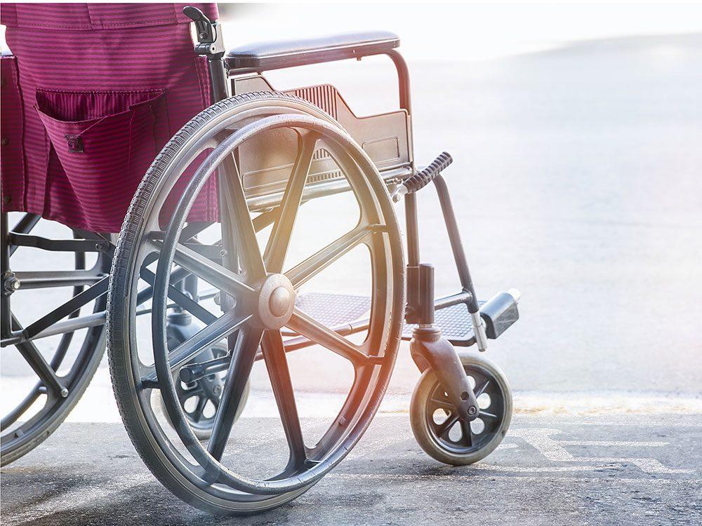 World's dumbest criminals - wheelchair