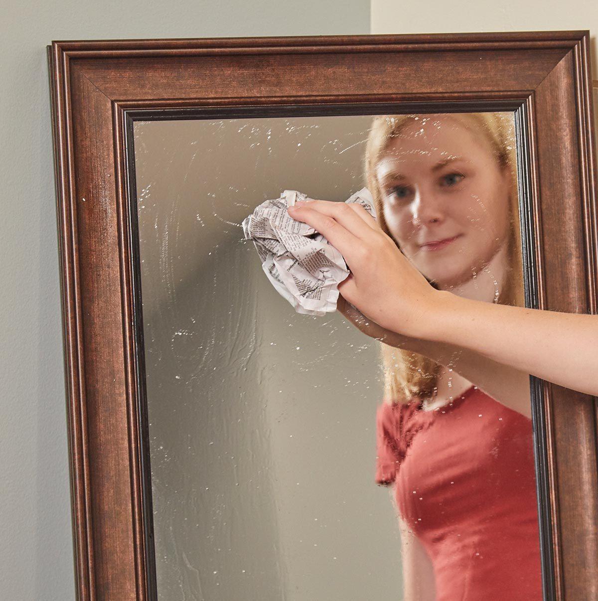 HH newspaper streak free glass