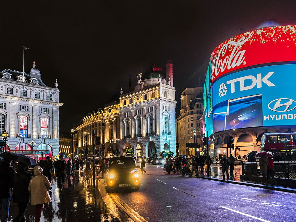 London attractions - Piccadilly Circus
