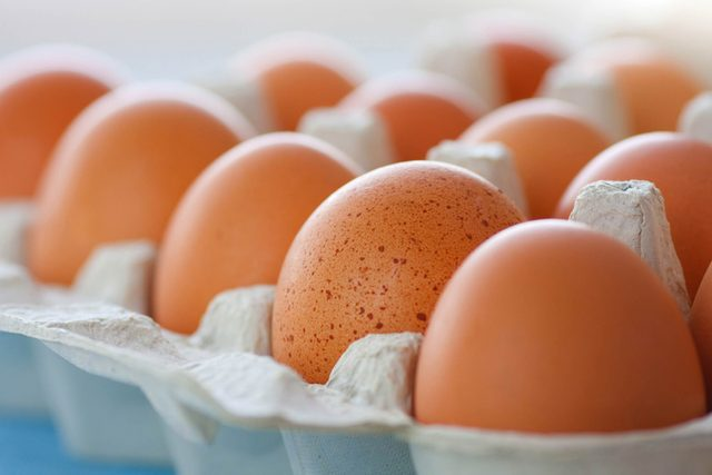Why-You-Should-Never,-Ever-Keep-Your-Eggs-In-This-One-Part-of-the-Fridge_49360996_straga