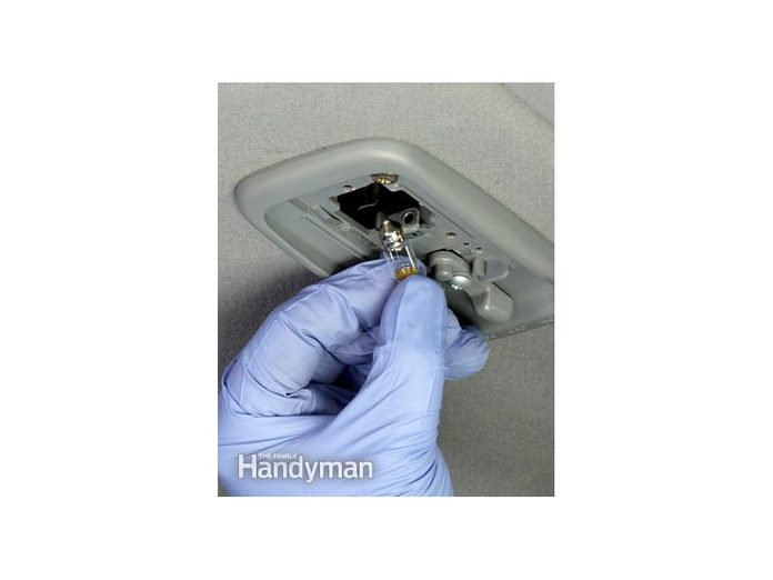 How To Change Auto Light Bulbs - Dome Light Bulb