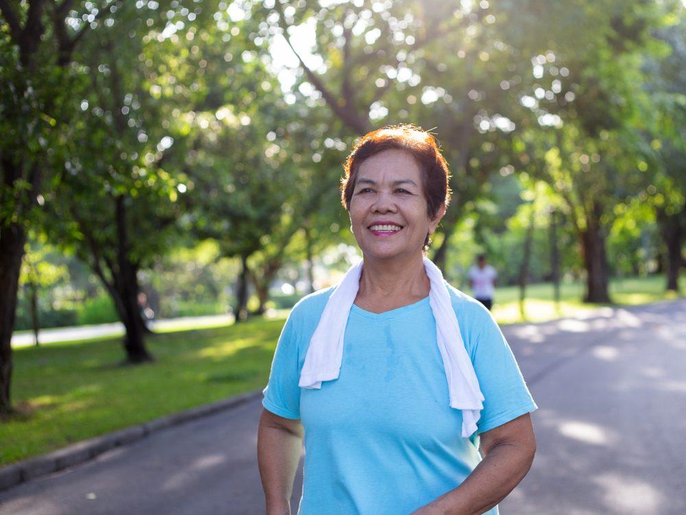 heart health woman walking