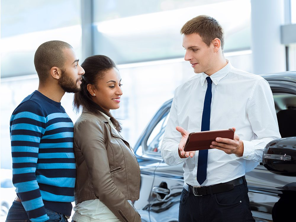 How much do car dealers make