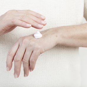 Dry skin in winter - Hand moisturizer