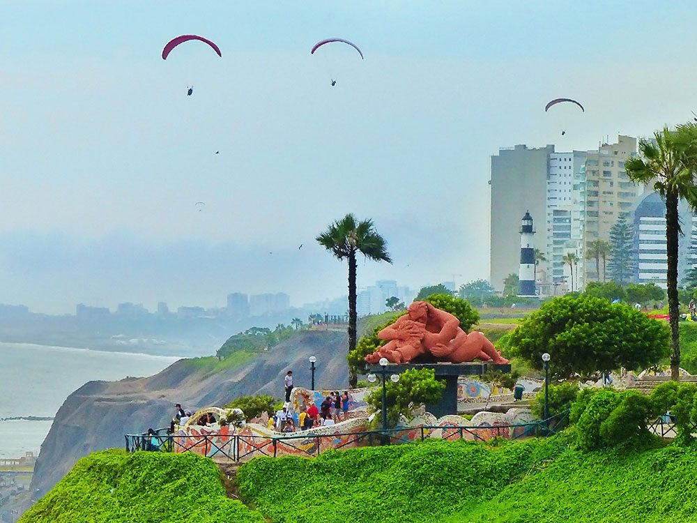 Things to Do in Peru - Miraflores Boardwalk and Park of Love