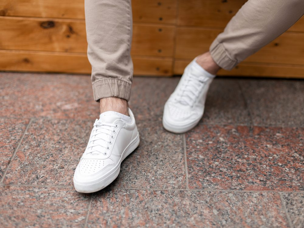 How to clean white sneakers