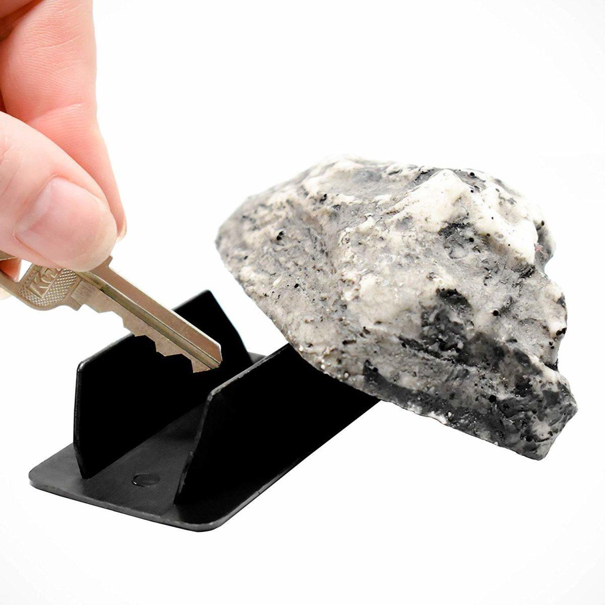 Rock spare key holder
