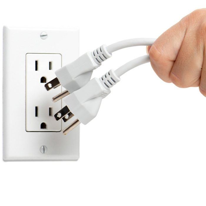 dfh1_shutterstock_494465848 plug in outlet extension cords