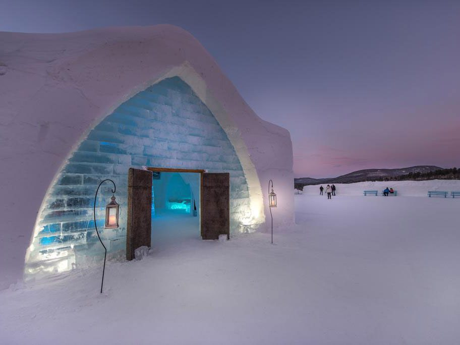 Quirky hotels across Canada - Hotel de Glace