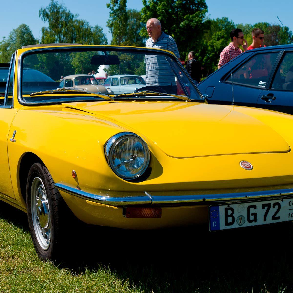 Yellow Fiat 850