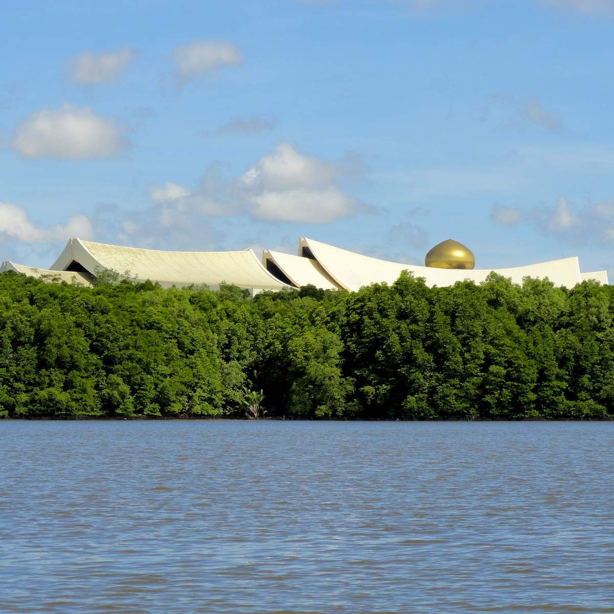 The Istana Nurul Iman, the official residence of the Sultan of Brunei and the seat of the Brunei government