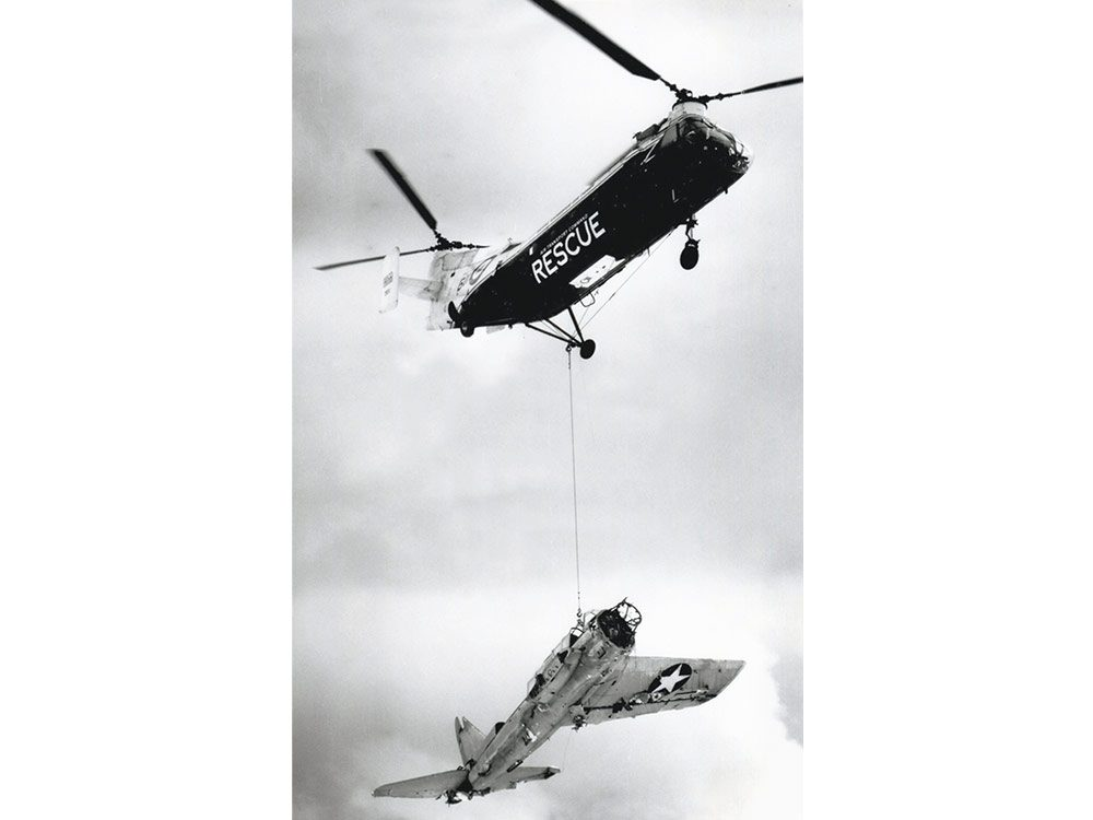Airlifting the wreckage of the Kingfisher to Port Hardy