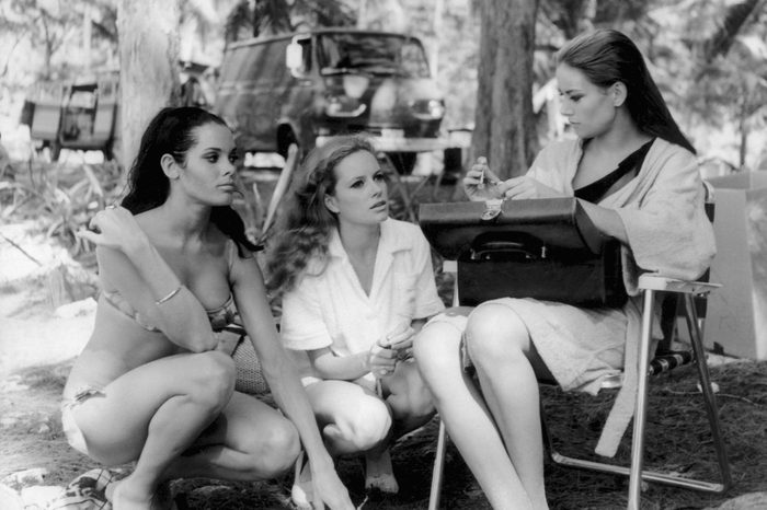 girls talking on set