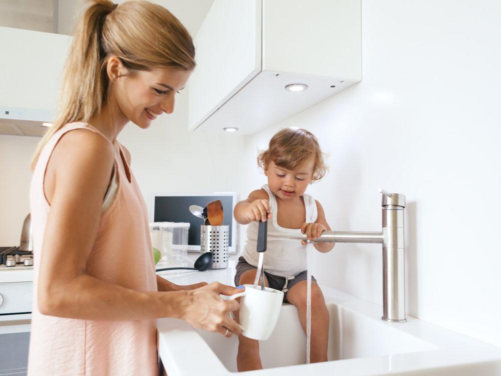 Kid in sink