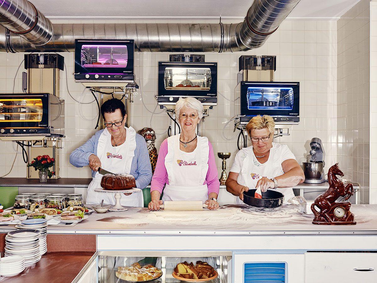 Good news - Vienna Austria seniors cafe