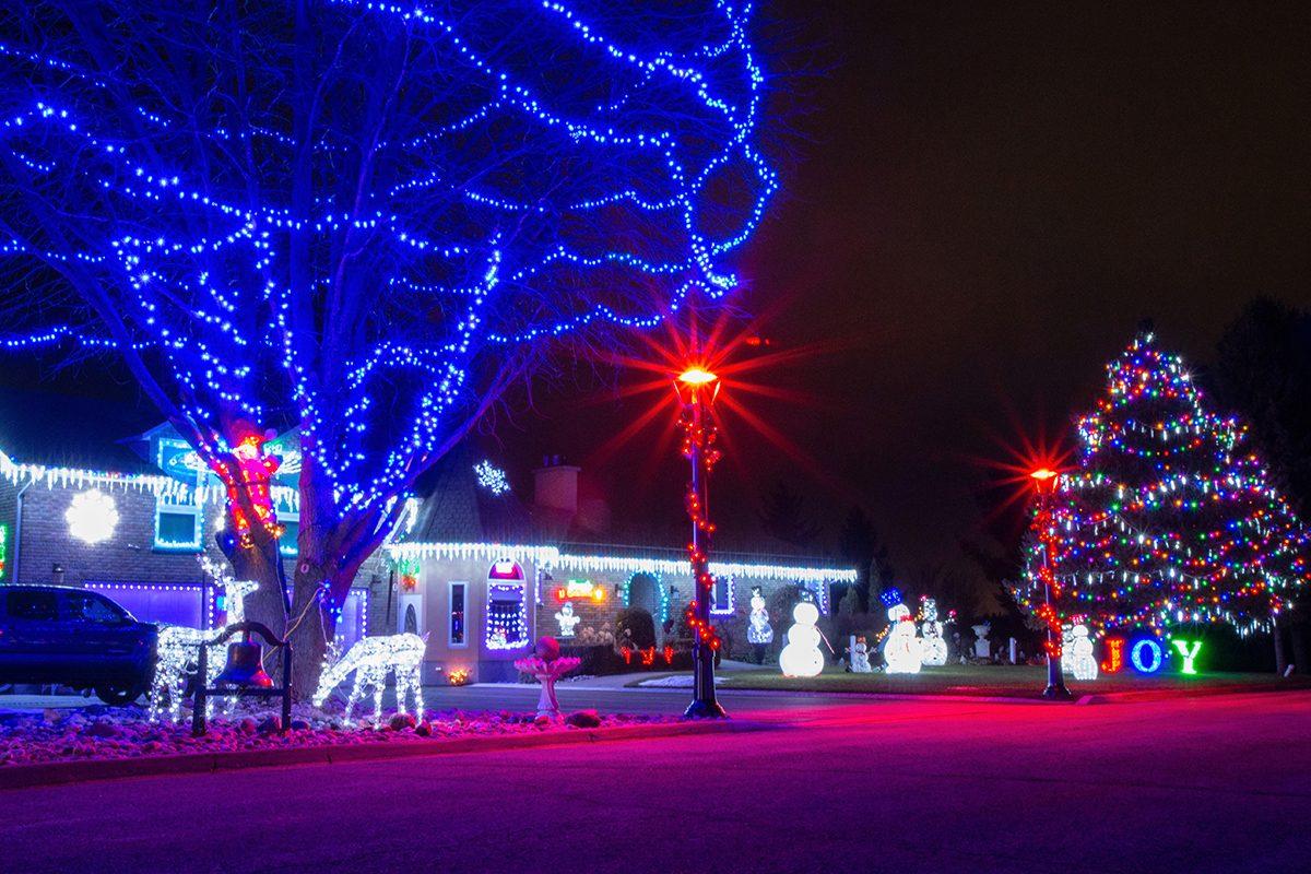 Deck the halls - Neighbourhood Christmas lights